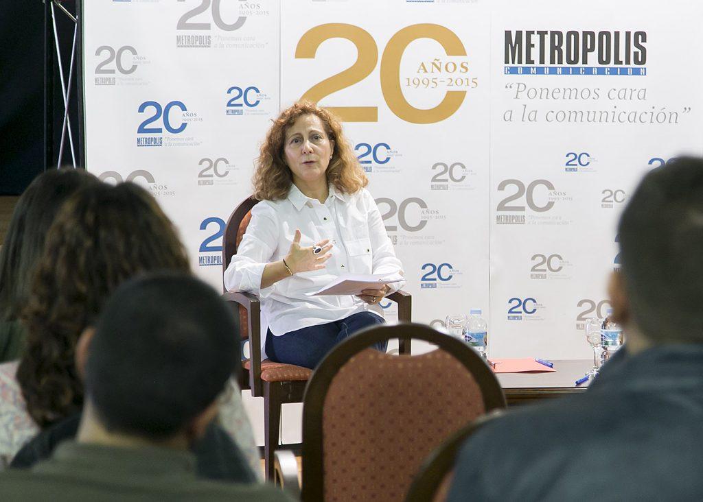 la presidenta de la federacic3b3n de asociaciones de periodistas de espac3b1a elsa gonzc3a1lez 5